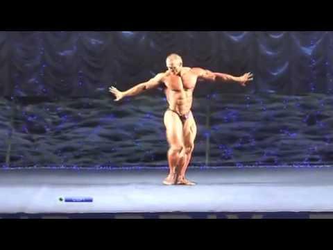 Comme les hommes balancent les muscles