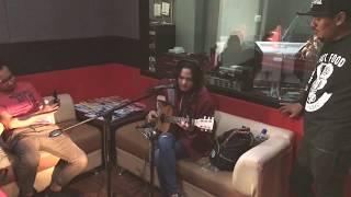 Download Lagu Sheryl Sheinafia Cinta Segitiga Live Performance At Soresore 88 7fm Iradio Jogja 2 3 Mp3