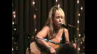 """Donna Hughes performing """"Time After Time"""" at Eddie's Attic"""