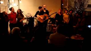 Graveyard - WHITE NOTE & MELODICA FAMILY (Feist cover)