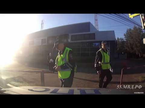 Очень короткая погоня полиции за мотоциклистом