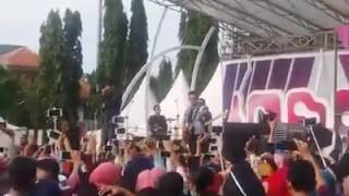 "Saat Sempat Ricuh ""dadali"" Inbox Sctv Live Simpang 7 Kudus"