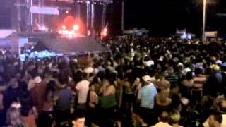preview picture of video 'Fiestas Patronales de Cabo Rojo 2012 - Público disfrutando de Ednita Nazario'