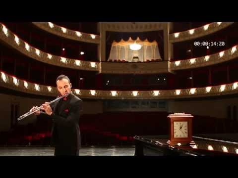Flight of the Bumblebee by the World's Fastest Flutist