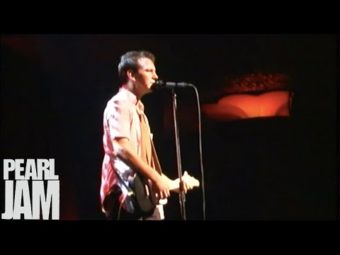 Soon Forget - Live At The Showbox - Pearl Jam