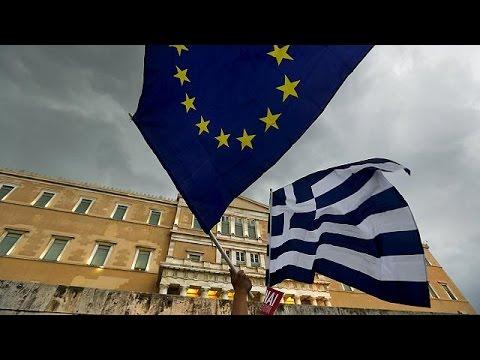 Ελλάδα: Βροντερό «Ναι» στο ευρώ και την Ευρώπη