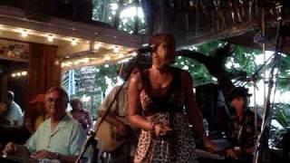 "Nadirah Shakoor sings ""La Vie Dansante"""
