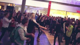 preview picture of video 'Citycenter Celje | Gangnam style flash mob (Plesni val)'