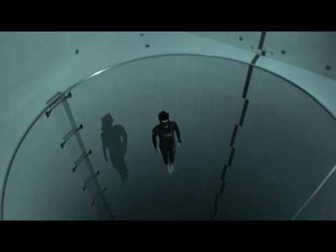 Просто космос, падение в самый глубокий  бассейне в мире Y–40