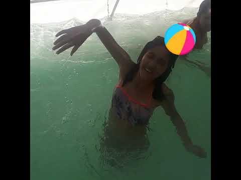 Brincando na piscina - tipos de brincadeiras com bola