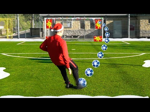 🎄 CHRISTMAS ACCURACY FOOTBALL CHALLENGE!!! w/Fius Gamer, Ohm & Footwork Italia