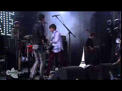 Miles Kane - Give Up (Live op Pinkpop 2013)