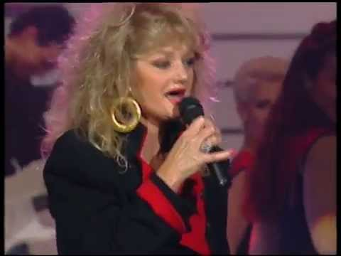 """Bonnie Tyler """"Holding Out for a Hero"""" (live voice)"""