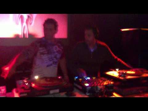 DJ Durães - ( Aniversário - amigo,DJ Axel ) Discoteca Pagoa - San Sebastian/Espanha, 29/01//2011.