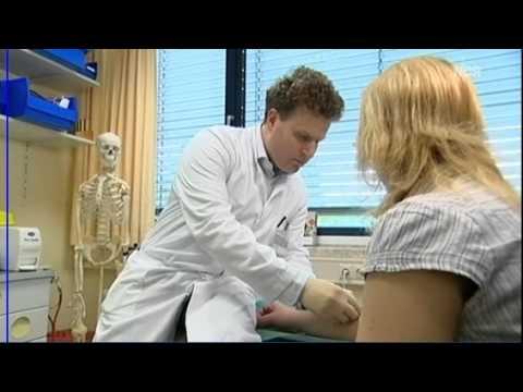 Der Schmerz in der Lende und unten des Bauches auf 35 Woche der Schwangerschaft