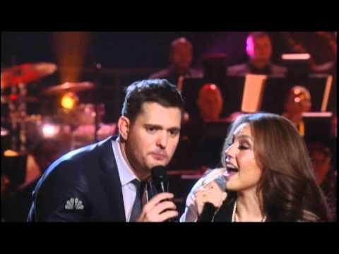 """Michael Buble y Thalía Cantando Juntos  """"Feliz Navidad"""""""