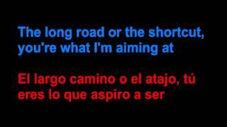 Motopony - Euphoria - Letra en español y en inglés en la pantalla