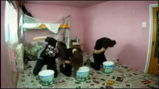 Металлюги красят комнату / fastest way to paint a room