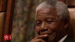 Cinque anni fa moriva Nelson Mandela, padre della lotta contro l'apartheid