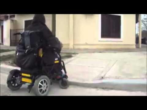 Genialidad del massismo: Rampas para sillas de ruedas imposibles de subir