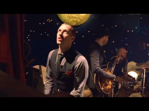 Coldplay - Christmas Lights - Christmas Radio