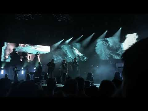 """The National performs """"Oblivions"""" live with Brooklyn Youth Chorus 