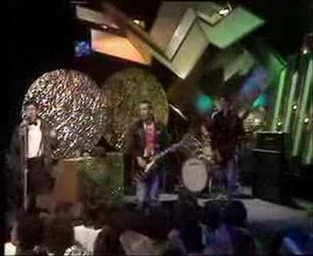 Sham 69 -- Hurry Up Harry (Live on Top of the Pops in 1978)