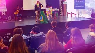 Leve Angélica Rizzi na sua palestra educacional