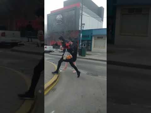 Video. Susto en el Mostaza que inauguró Garro en Los Hornos: se prendió fuego parte de la instalación eléctrica