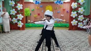 Выпускной из детского сада. 19. Танец джентльменов.