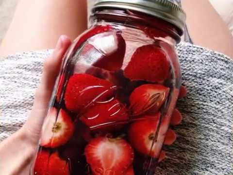 Video Manfaat Strawberry untuk Kesehatan dan Kecantikan Kulit