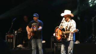 Mark Chesnutt - Talking To Hank.