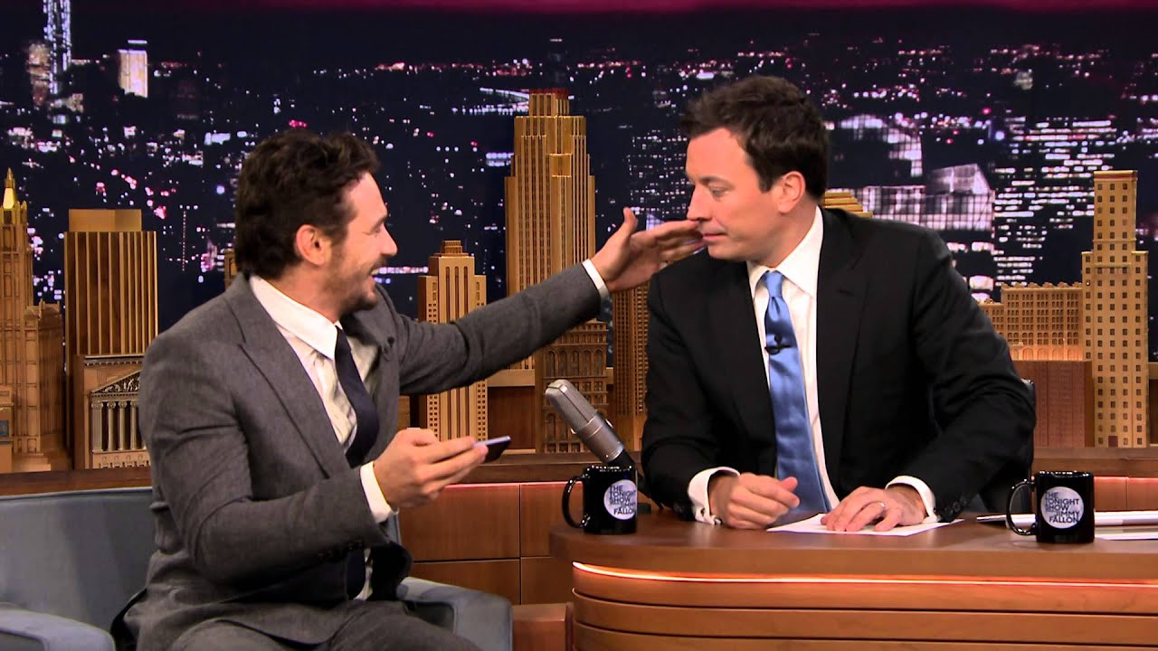James Franco Gives a Fan Selfie Tutorial thumbnail