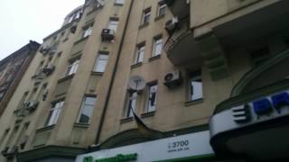 """""""Хоть бы заграждение поставил, дебил""""! Как в Киеве сбивают сосульки"""