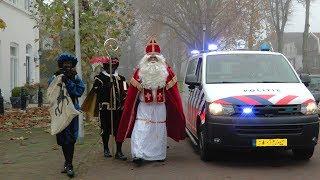 Politie brengt Sinterklaas naar Hekelingen