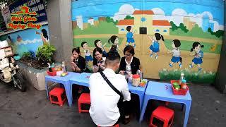 Loanh quanh Sài Gòn coi khu ẩm thực tự phát nhiều món hấp dẫn ở Q10