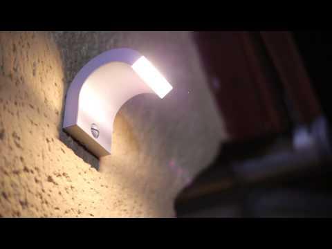 Philips Lighting: Veränderte Gartenbeleuchtung in Berlin, Ledino Wandleuchte