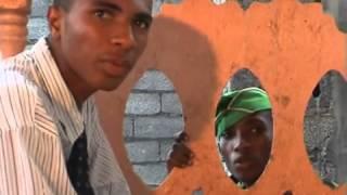 preview picture of video 'Kalala martyr de son pays théâtre Comores Part 2'