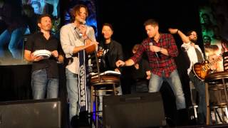 Supernatural's 10 year birthday (with cake, fire & knives!!) - DallasCon 2015