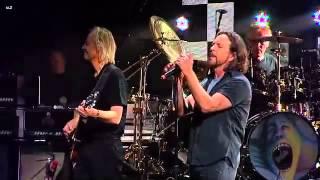Roger Waters- Comfortably Numb feat. Eddie Vedder (Pearl Jam)
