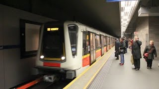 preview picture of video 'Warsaw Metro - Siemens Inspiro , Poland'