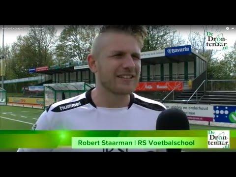 Zeventig kinderen leren trucjes tijdens driedaagse RS Voetbalschool | Video