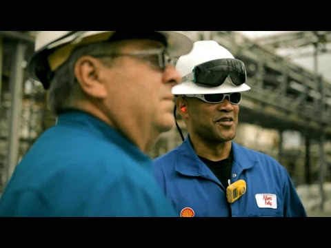 Life at Shell: Propelling Your Career – Meet Albert Kelly, a marine veteran working at a Shell refinery.