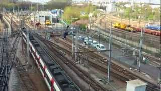 preview picture of video 'RER - Ligne B - Rame MI79 - Gare de Massy-Palaiseau'