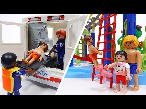 Water Park Accident~! Playmobil Ambulance Is On Its Way