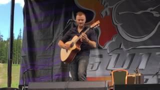 "GUITAR TOWN 2016 Acoustic Saturday 2 - Joe Robinson ""The Gremlin"""