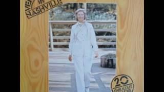 Vera Lynn & The Jordanaires - Before The Next Teardrop Falls (1977)
