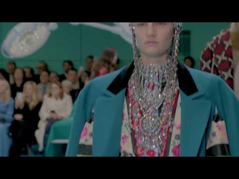 Prezentări de modă: colecţia toamnă/iarnă 2018