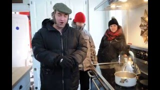 Swampcandy: Throwing boiling water at 8 Below Zero