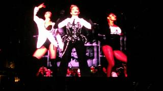preview picture of video 'Madonna - Vogue live from Plaines d'abraham Québec City 1 Septembre 2012 MDNA Tour 2012'